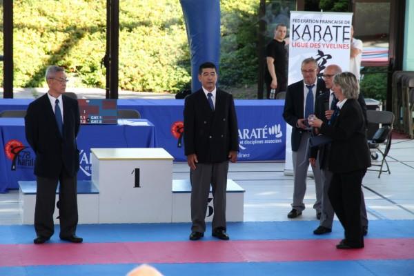 Maîtres Haruyoshi Shimabukuro et Yukinobu Shimabukuro